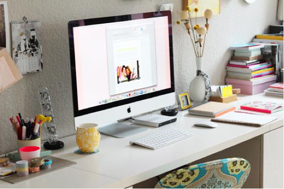 Desktop photo by Decor8