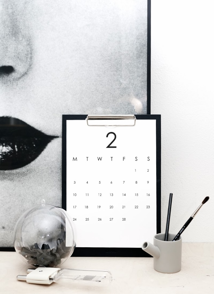 DIY: RK Design Printable Desk Calendar - The Well ...